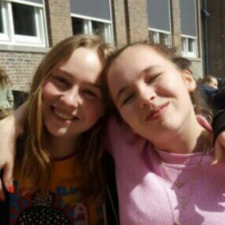 Anna Hoogeveen en Zenzi Hogenboom