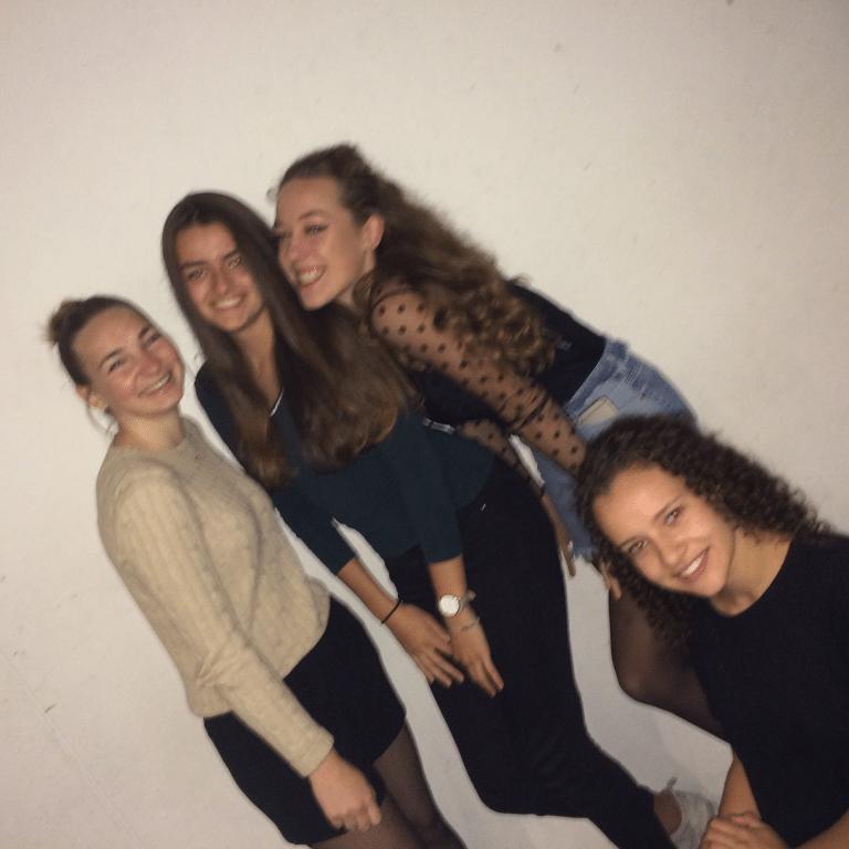 Hannah Albeda, Brit Noa ter Pelle, Claire Levaux, Dana Staring